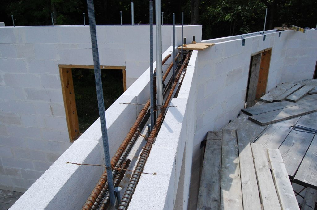 House upper bond beam 1